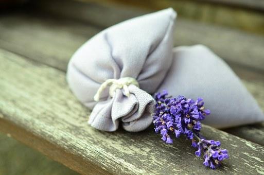 Bolsa de Lavanda para evitar olor a cerrado en la ropa guardada