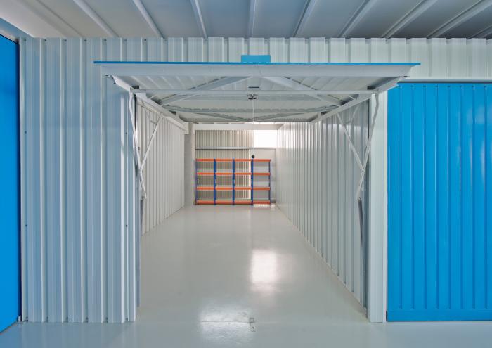 Alquiler de almacenes para stock en Vigo. Tiendas Online
