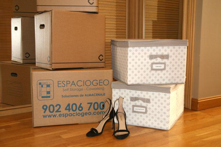 Cajas de cartón para guardar la ropa mucho tiempo sin humedad
