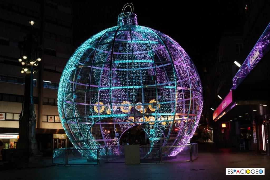 Bola gigante navidad Vigo 2018