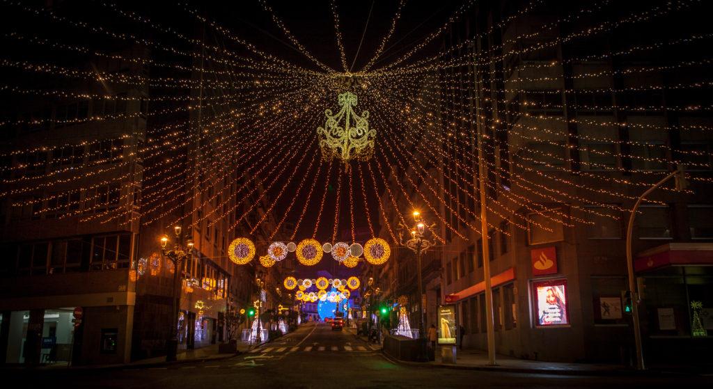 Lámpara de Luces en Cruce Policarpo Sanz con Colón - Luces Navidad Vigo