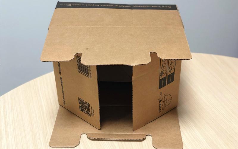 Caja de cartón para envíos pequeña fácil montaje