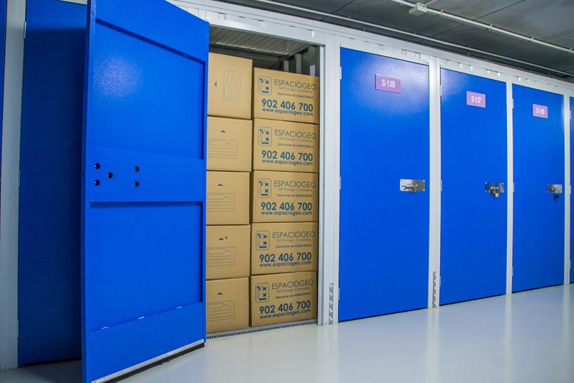 Guarda tus cajas y pertenencias en Trasteros Espaciogeo Reus