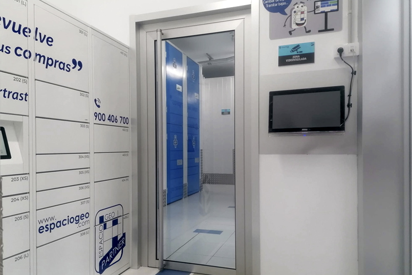 Interior de Un SmartLocker en Espaciogeo